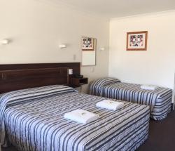 Bryant's Motel, 67 Gregory Street, 4455, Roma