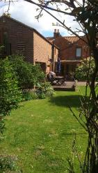 Field View B&B, Field View Cottage, High Street, Eastrington, DN14 7PH, Eastrington