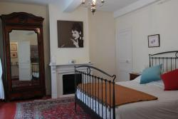 Penthouse Apartment overlooking Place Carnot, 27 Rue Chartran, 11000, Carcassonne