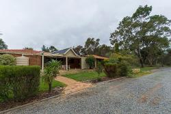 Holiday House On One Six Six, 166 Brewer Road, 6057, Forrestfield