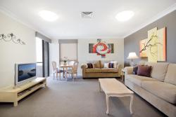 Milson's Point Apartments, 48 Alfred Street Apt 95 - 9th floor, 2061, Sidney