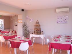 Hôtel Restaurant Chez Jerome, 22, Avenue de Navarre, 64250, Cambo-les-Bains