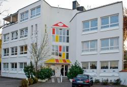 Hostel Nanina, Breslauer Str. 34, 82194, Gröbenzell