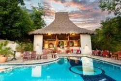 Pelican Eyes Resort and Spa, De la Parroquia 1 1/2 cuadra del este, 050-088-4, San Juan del Sur