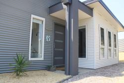 Surf Mist Beach House, 19 Lord Liverpool Drive, 7253, Low Head