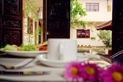 Shaxi Miss May Hotel, Beiguzong Alley, Sideng Street, Shaxi AncientTown, Jianchuan County, 671302, Jianchuan
