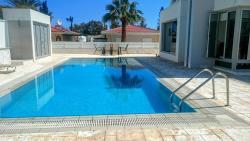 Colonial Beach Villa, Leoforos Georgiou Seferi, Colonian Beach Villas House 14, 7560, Perivolia