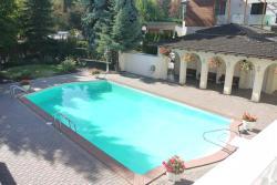 Villa Flair, 384 Braeloch Road, V1W 4J2, Kelowna