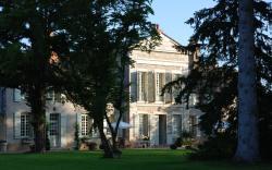 Côté Park & Spa, 16 & 18 Rue Georges Clémenceau, 71640, Givry