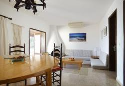 Three-Bedroom Apartment in Ibiza with Pool I, Amatller 11, 7829, Cala Comte