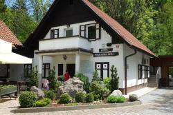 Hostel Pograjski dom, Polhov Gradec 70, 1355, Polhov Gradec