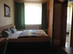 Landhotel Zum Rautenkranz, Pestalozzistraße 13, 06311, Helbra