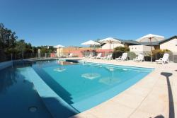 Howard Johnson Rio Ceballos Hotel y Casino, San Martin 5813, 5111, Río Ceballos