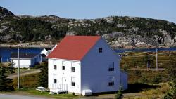 The Old Salt Box Co. - Evelyn's Place, 7 Salt Harbour Road, A0G 2R0, Herring Neck