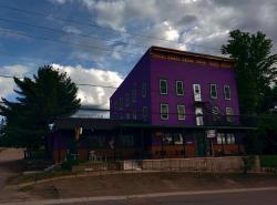 The Arlington, 32990 Highway 62, PO Box 87, K0L 2S0, Maynooth