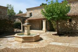 La Bastide Des Chênes, Hameau Des Grailles. Route Départementale N°2, 84220, Gordes