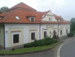 Zámecký hotel U Rajských, Smiřických 1280, 547 01, Náchod
