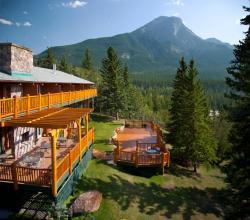 Overlander Mountain Lodge, 207010 Highway 16 West, T7V 1X5, Jasper National Park Entrance