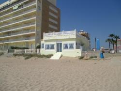 Bed & Breakfast on the Beach, Calle Ciscar 1, 46760, Tavernes de Valldigna