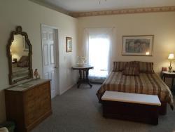 Dreamcatcher's Inn Thousand Islands ON, 1277 Highway 96 P.O. Box 179, K0H 2Y0, Marysville