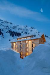 Hotel Mondschein - seit 1739, Hannes-Schneider-Promenade 9, 6762, 施图本