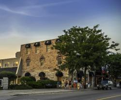 The Queen's Inn, 145 Main Street, K0K 2T0, Picton
