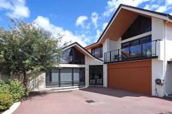 Swanriver Applecross Shortstays, 1A Dunvegan Road, Applecross, 6153, Perth