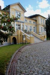 Schlosshotel Nordland, Am Dorfteich 9, 18196, Groß Potrems