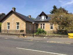 Kasama Holiday Lets, 106 Station Road, ML7 4BH, Kirk of Shotts
