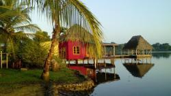 Dolphin bay cabanas, finca Buena Vida bocatorito,, Tiger Key