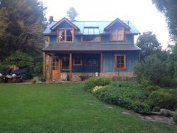 Casa Los Robles, Amancay 144 Barrio Los Robles, 8370, San Martín de los Andes