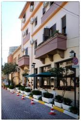 Hotel Nais, Lagja 1, Bulevardi Epidamni, 2001, Durrës