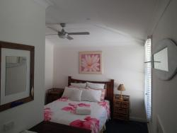Whale Beach Bed and Breakfast, 36 Careel Head Road, 2107, Whale Beach