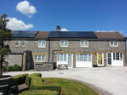 Paddock House Farm Holiday Cottages, Peak District National Park Alstonefield, DE6 2FT, Hulme End