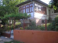Villa Rado, 80 Granichna Str., 7588, Vetren