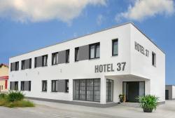 Hotel 37, Bernsteinstr. 37 A, 84032, Altdorf