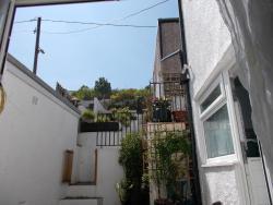 Aderyn Bach Cottage, 30 Railway Terrace, Blaina, Abertillery, Blaenau Gwent, NP13 3BU, Blaina