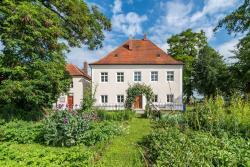 Historischer Pfarrhof Niederleierndorf, Hauptstrasse 12, 84085, Niederleierndorf