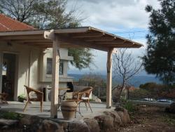 Lovely home above the Kinneret, Etz ha-Domim St 161, 1292600, Karkom