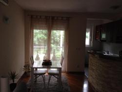 Luxury Apartment Dedinje, Velisava Vulovica 11, 11000, Filmski Grad