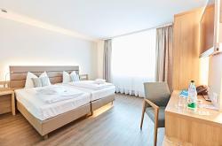 Vital Hotel an der Therme GmbH, Erkenbrechtallee 14, 91438, Bad Windsheim