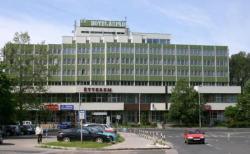 Hotel Árpád, Fö tér 20, 2800, Tatabánya