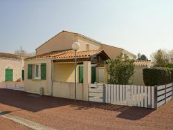 Holiday home Hameau de La Grande Baie Dolus d'Oleron,  17550, Dolus dOléron
