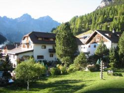 Alpengasthof, Crusch Alba  ed Alvetern, 7550, S-charl