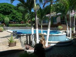 Grace's Guest House, Alajuela, Higuito de San Mateo, Frente Centro Turistico Las Royal Palms of San Mateo,, Higuito