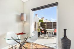 Glebe Self-Contained Modern One-Bedroom Apartment (7 COW), 7 / 53-55 GLEBE POINT ROAD, 2037, Sydney