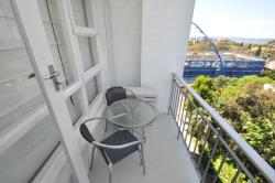 Neutral Bay Self-Contained Modern One-Bedroom Apartment (63BEN), 63 / 154 Ben Boyd Road, 2089, Sydney