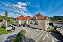 Akzent Wellnesshotel-Bayerwald Residenz, Bayerwaldstr. 2 a, 94362, Neukirchen