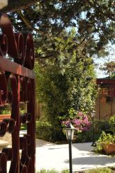 Chambre d'hôtes Le Cyprès Bleu, 15 Rue Julian Grimau, 38150, Roussillon en Isere