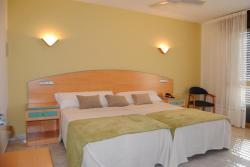 Hotel Riveiro, Playa de Areas, 26, 36966, Areas